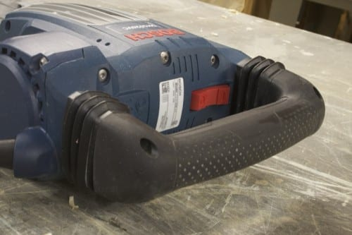 anti vibration handle 500x333 Bosch SDS max Demolition Hammer Review