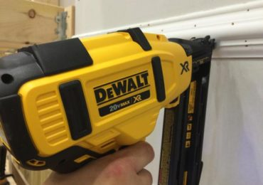 DeWalt 20V Max Angled Finish Nailer