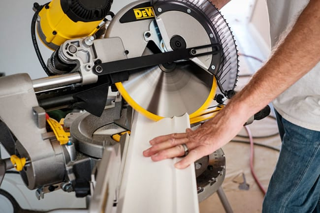 how to cut angles with a miter saw