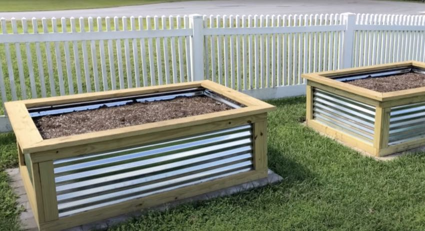 How to Make a Raised Garden Bed 25 years