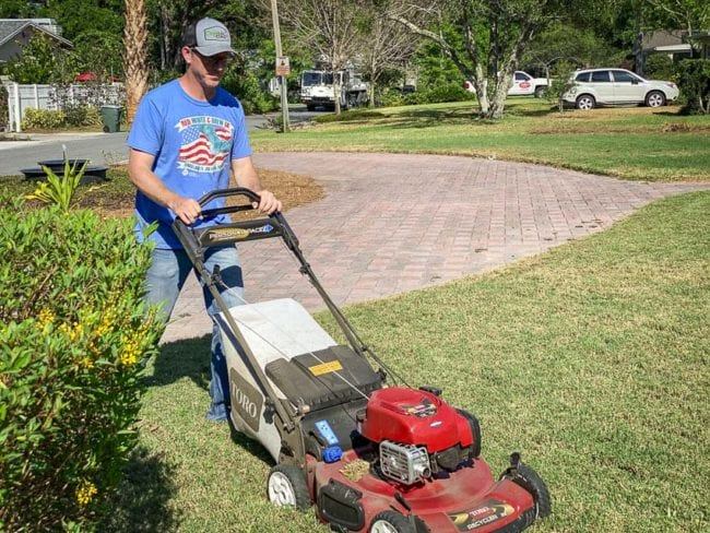 Toro self-propelled lawn mower reviews