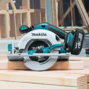 "Makita XSH03MB 6-1/2"" Circular Saw"