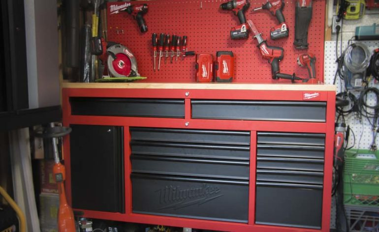 Milwaukee 60-inch work station