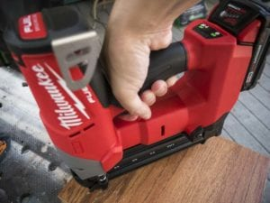 Milwaukee M18 18-gauge finish nailer use2