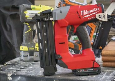 Milwaukee M18 Fuel 18-gauge finish nailer side