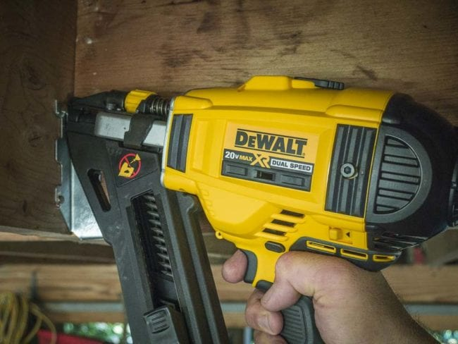 DeWalt Cordless Strap Nailer Review DCN693M1 | Pro Tool Reviews