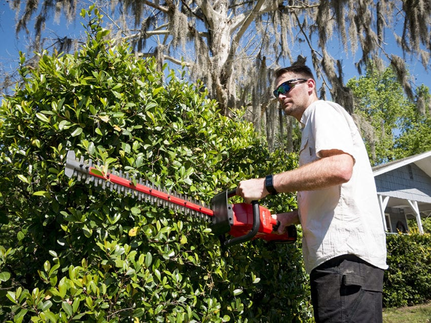 Milwaukee M18 Fuel Hedge Trimmer 11