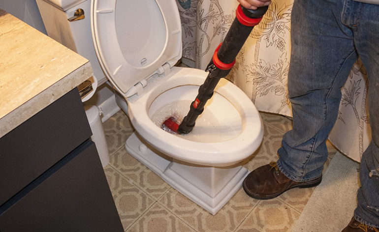 Milwaukee M12 Trapsnake 6 Foot Toilet Auger Review Pro Tool Reviews