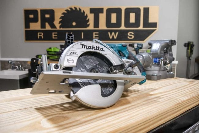 Best Cordless Circular Saw - Makita XSR01