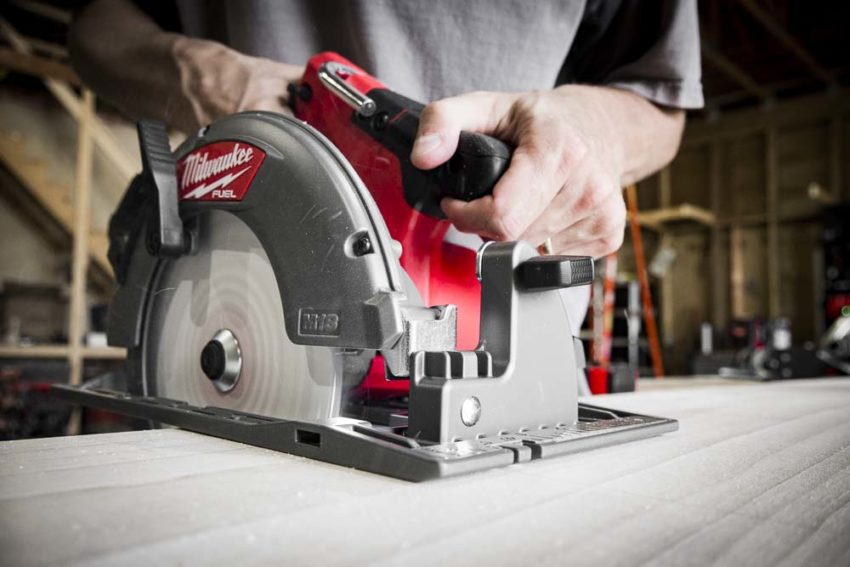 Milwaukee M18 Fuel Circular Saw 2732 Review
