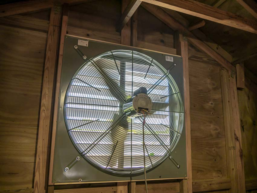 How to Install a Commercial Wall Exhaust Fan