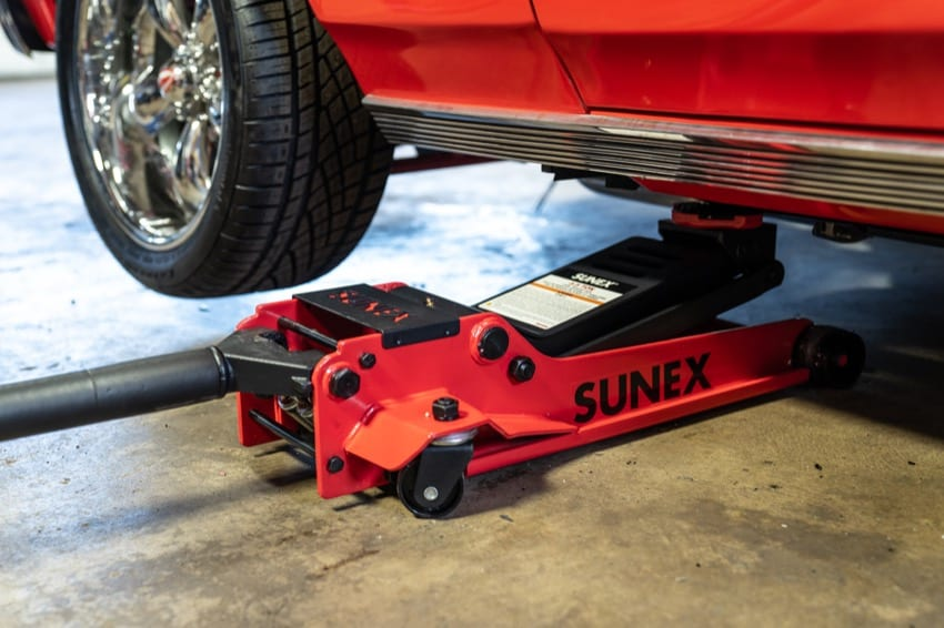 How TO Use A Floor Jack Safely