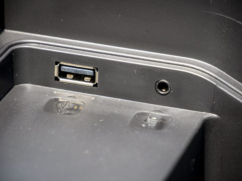 USB charging port and Aux Input