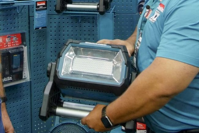 Best Makita Outdoor Power Equipment at GIE 2019 - LED Lighting