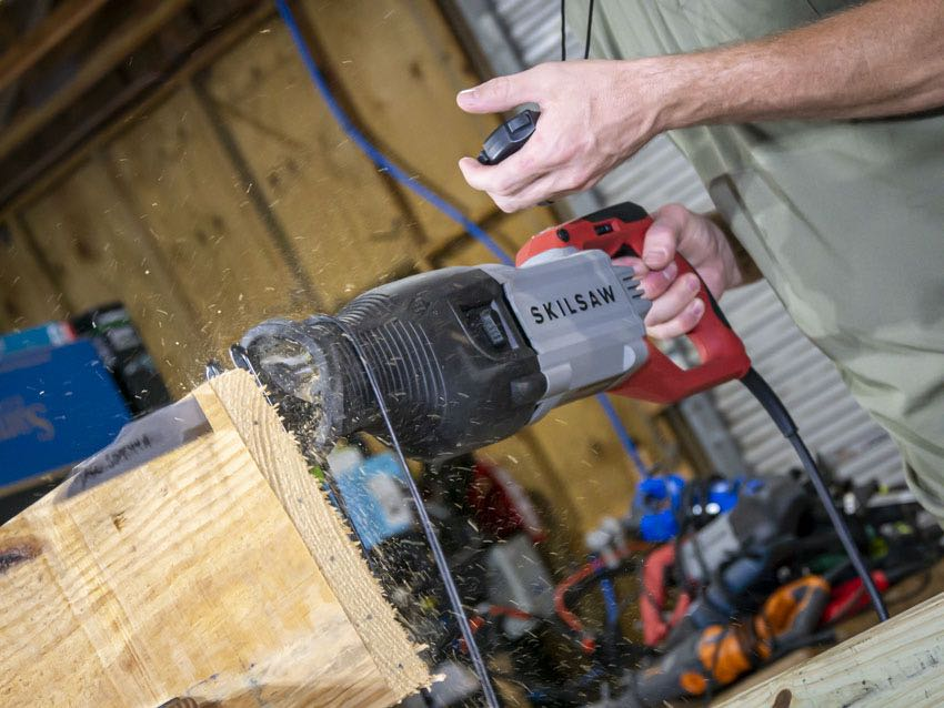 Best Corded Reciprocating Saw Speed | Skilsaw 15-Amp Buzzkill