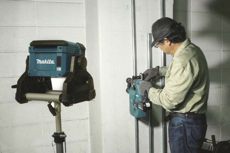 Makita Cordless/Corded Work Light DML811