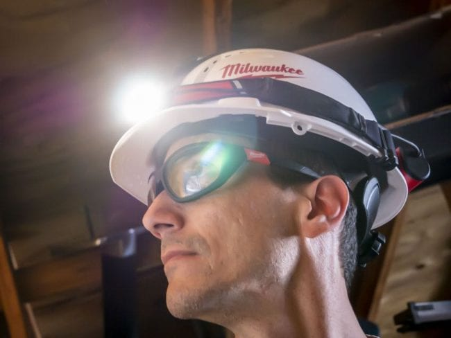 This image has an empty alt attribute; its file name is Milwaukee-Low-Profile-Headlamp01-650x488.jpg
