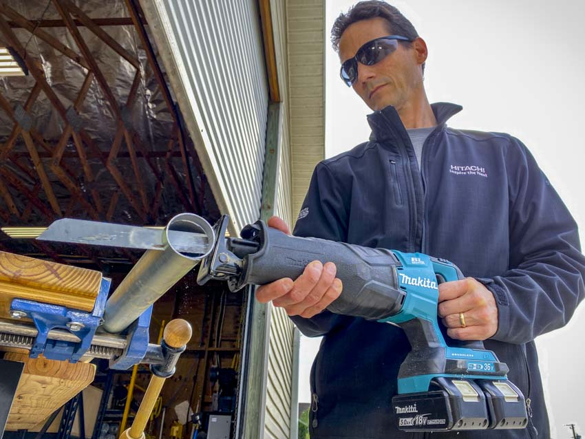 Best Cordless Reciprocating Saw Head-to-Head Review - Makita Medium Metal Cutting