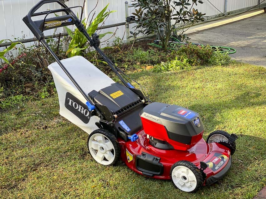 Toro 60V self-propelled lawn mower review