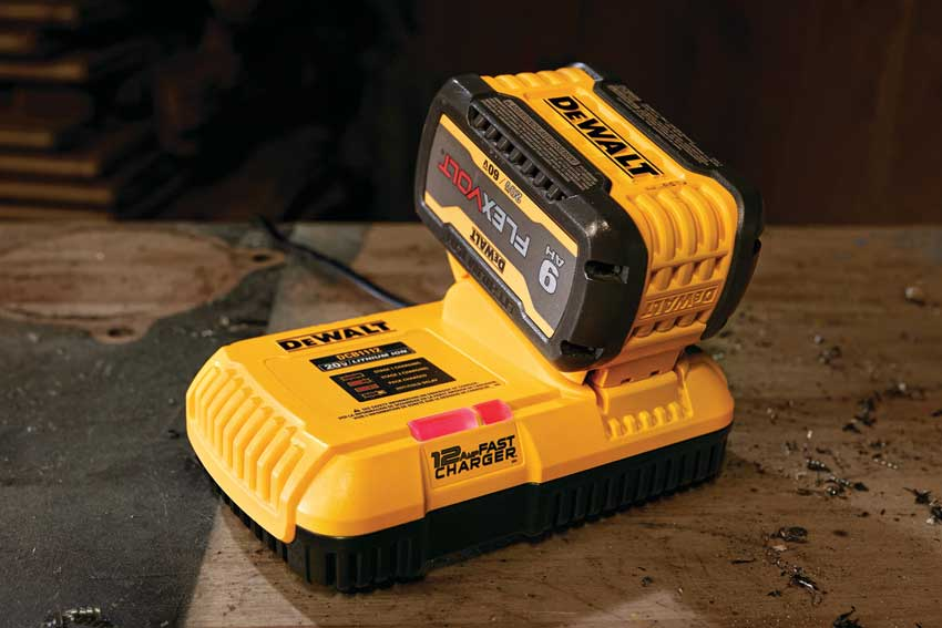 DeWalt 12-Amp Fast Charger and 6A Charger DCB1112