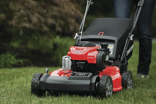 Best Self-Propelled Lawn Mower for the Money | Craftsman M210
