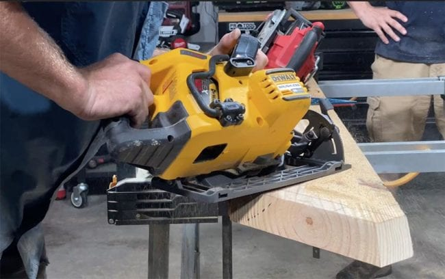 DeWalt FlexVolt Worm Drive Style Vs Milwaukee M18 Fuel Rear-Handle Circular Saw