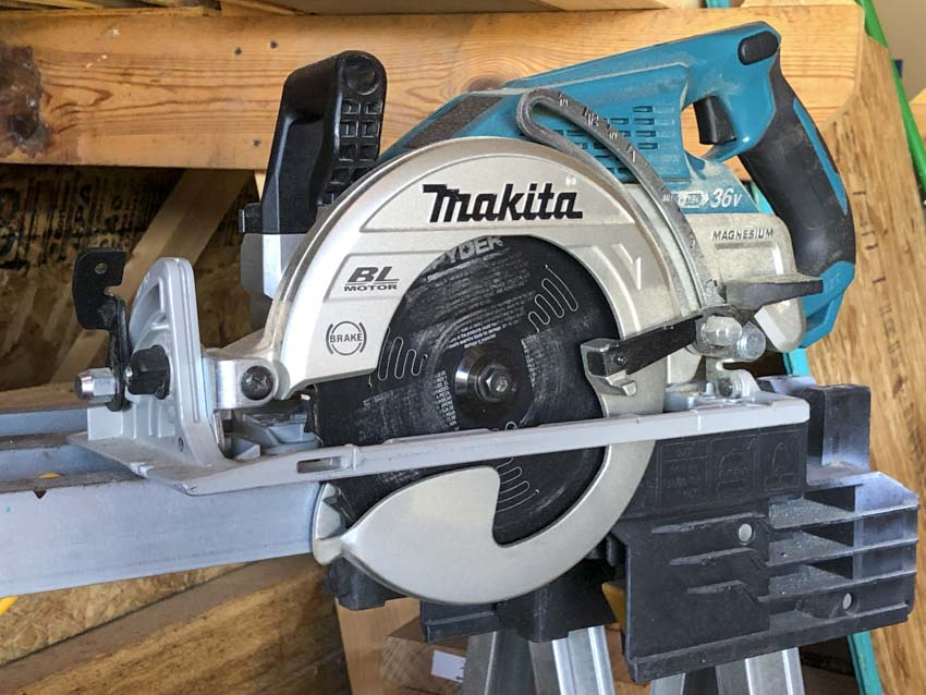 Best Cordless Rear Handle and Worm Drive Circular Saw Reviews | Makita XSR01