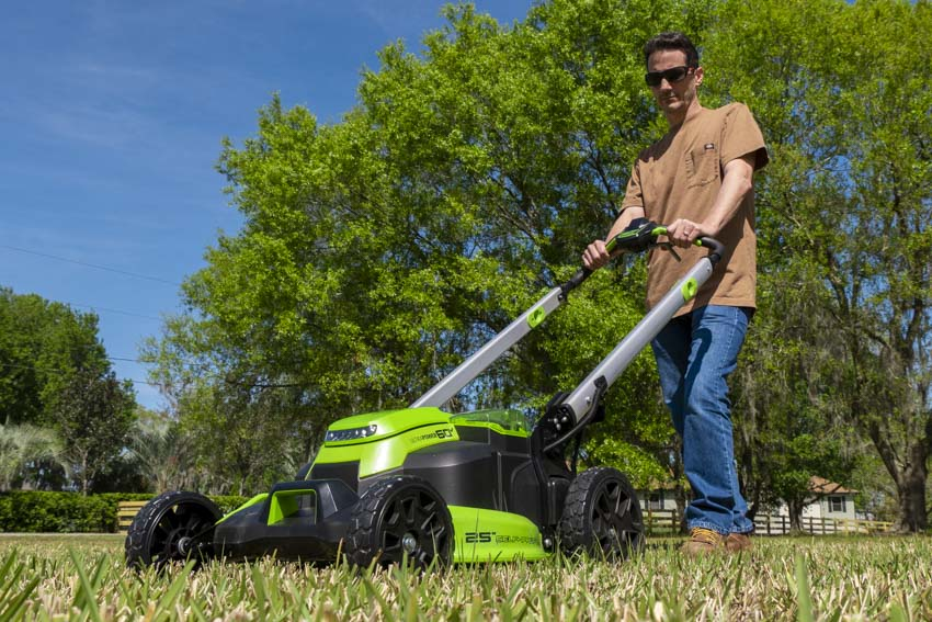 Greenworks Pro 60V 25-Inch Self-Propelled Lawn Mower Review