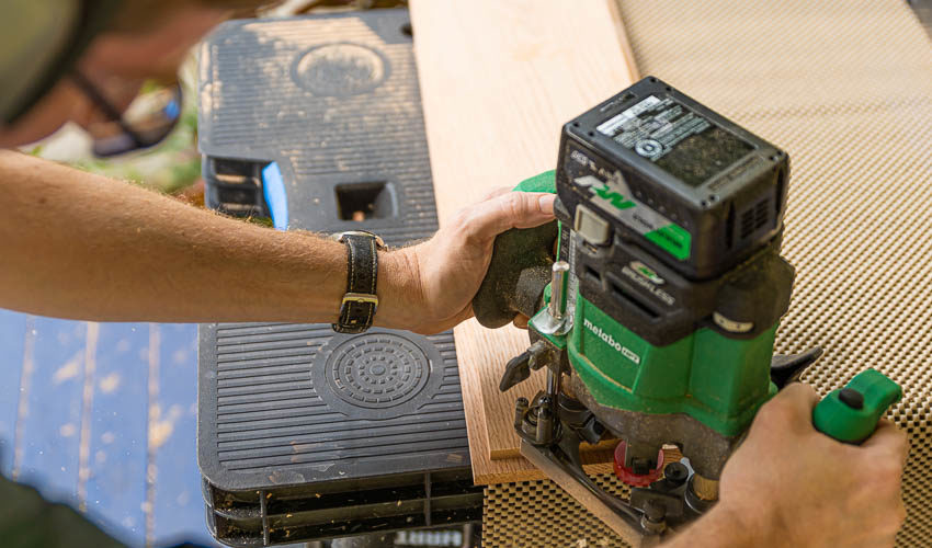 Using the Metabo Cordless Router